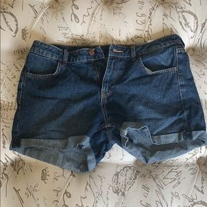 H and M blue denim jean shorts